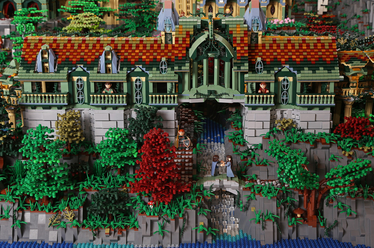 A 200 000 Piece Lego Recreation Of Rivendell That Will Blow Your Mind Geek Culture