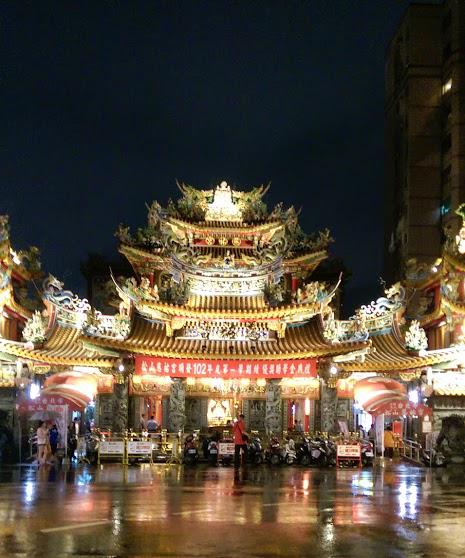 HTC-One-M8-night-shot
