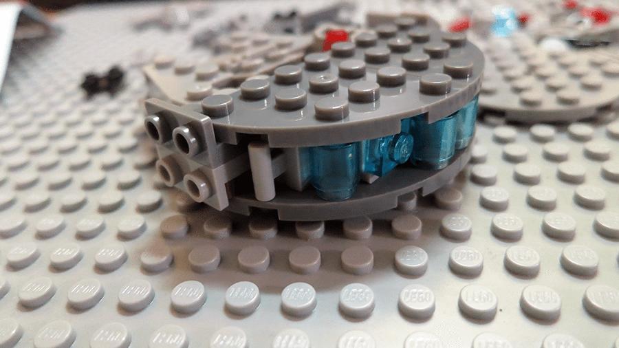 shenyang-millennium-falcon-bootleg-lego-microfighter-rear-alt