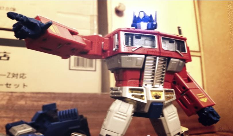 epic-transformers-stop-motion-optimus prime