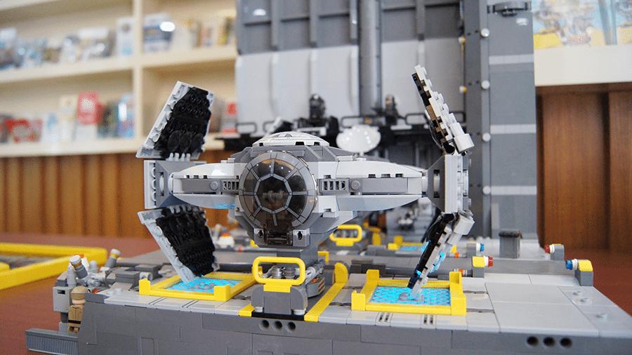 legoland-star-wars-day-LOM-LUG-tie-hangar-open-with-TIE