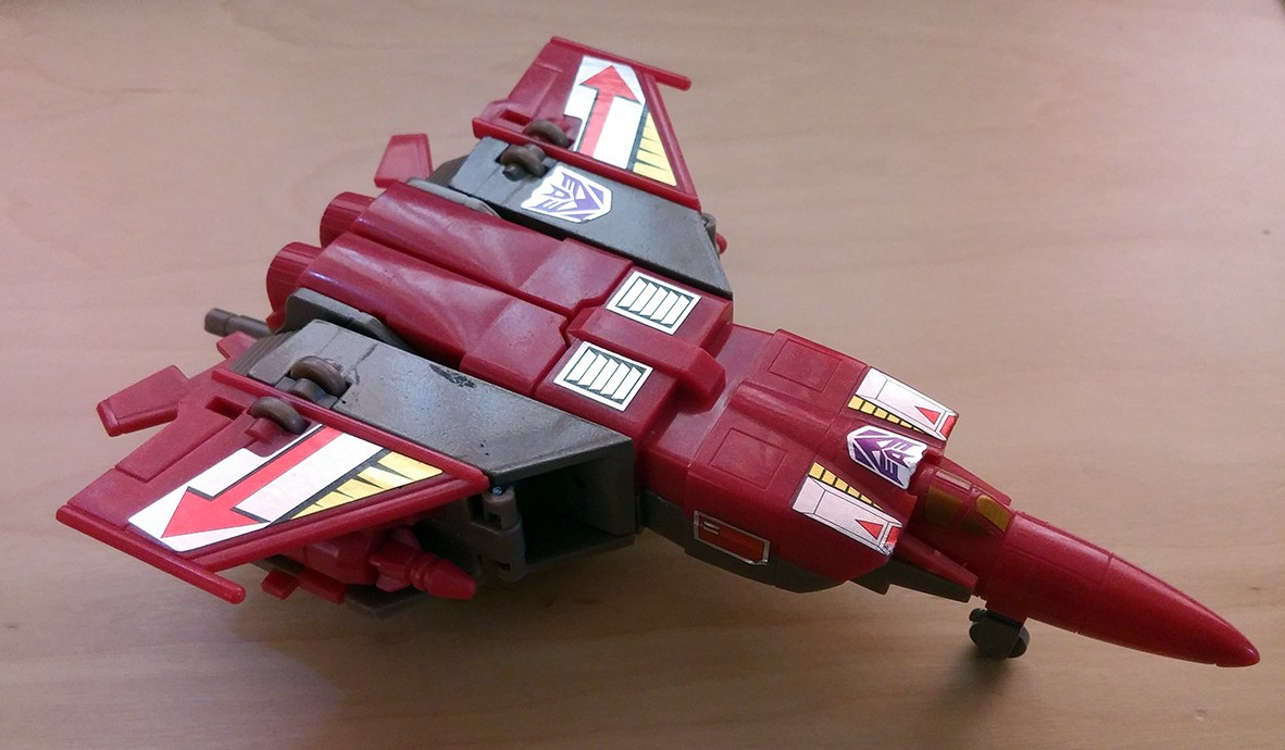 Platinum-Edition-Blitzwing-and-Astrotrain-review-blitz-plane-turret