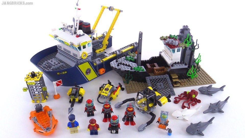 150517d-lego-city-60095-deep-sea-exploration-vessel