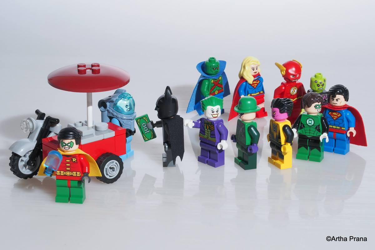 lego sg 50 bike justice league MOC