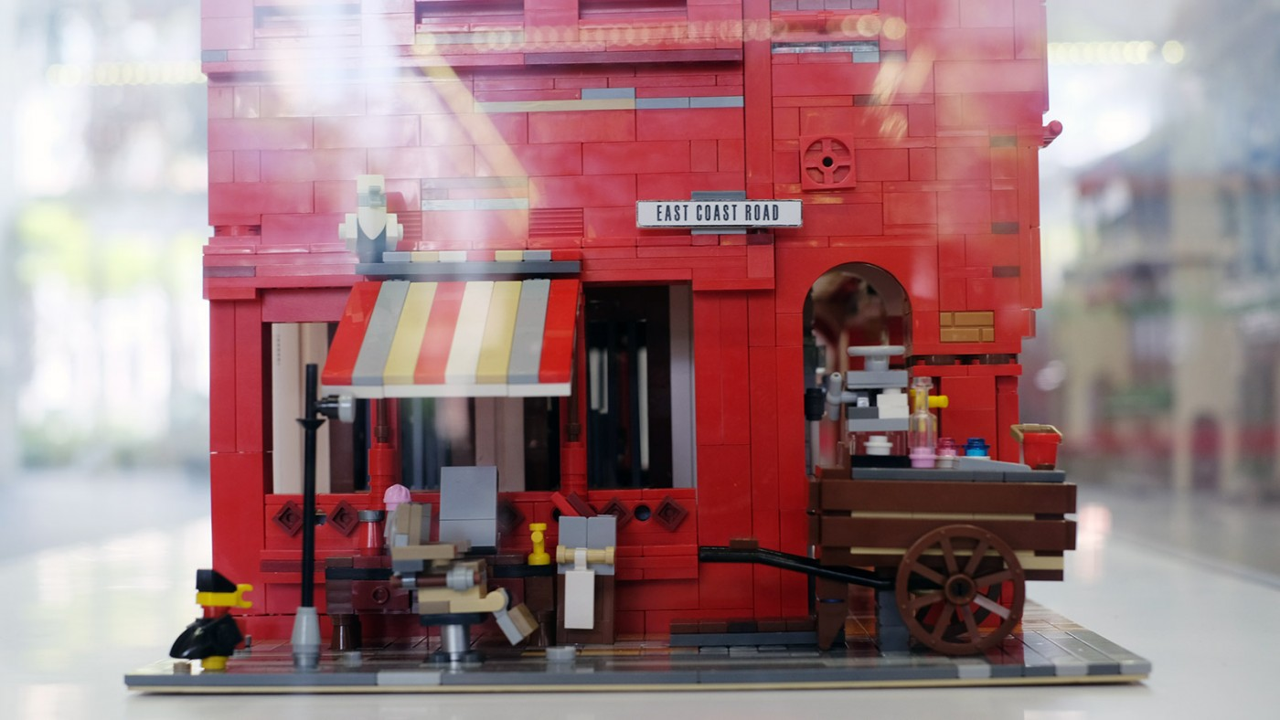 LEGO-Showcase--SG50-Edition--Little-Red-Brick-LUG-Show-red-houes-bakery-side