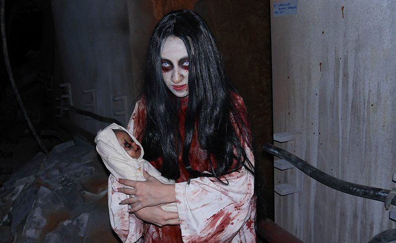 Halloween-Horror-Nights-5-HHN5-mrt01-ghost