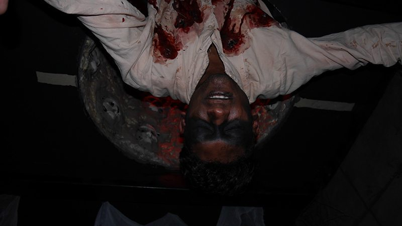 Halloween-Horror-Nights-5-HHN5-tunnel people