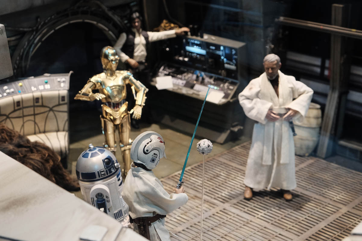 Singapore Toy Game and Comic Convention 2015 Hot Toys millenium falcon (4)
