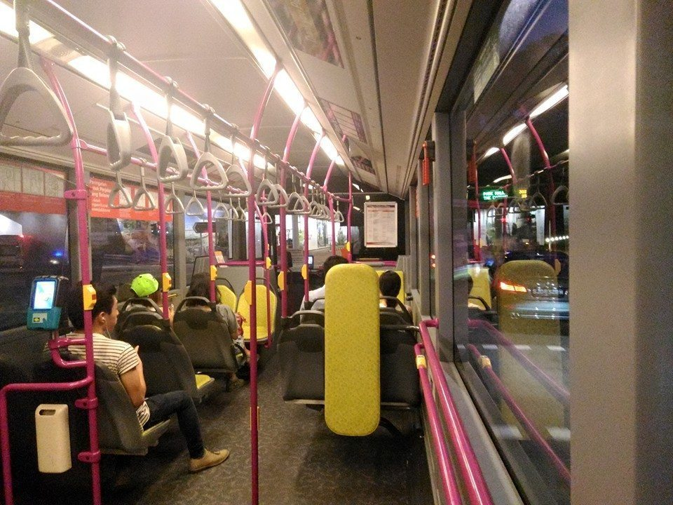 asus zenphone selfie night bus photo