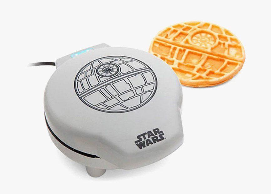 starwars-waffle-maker