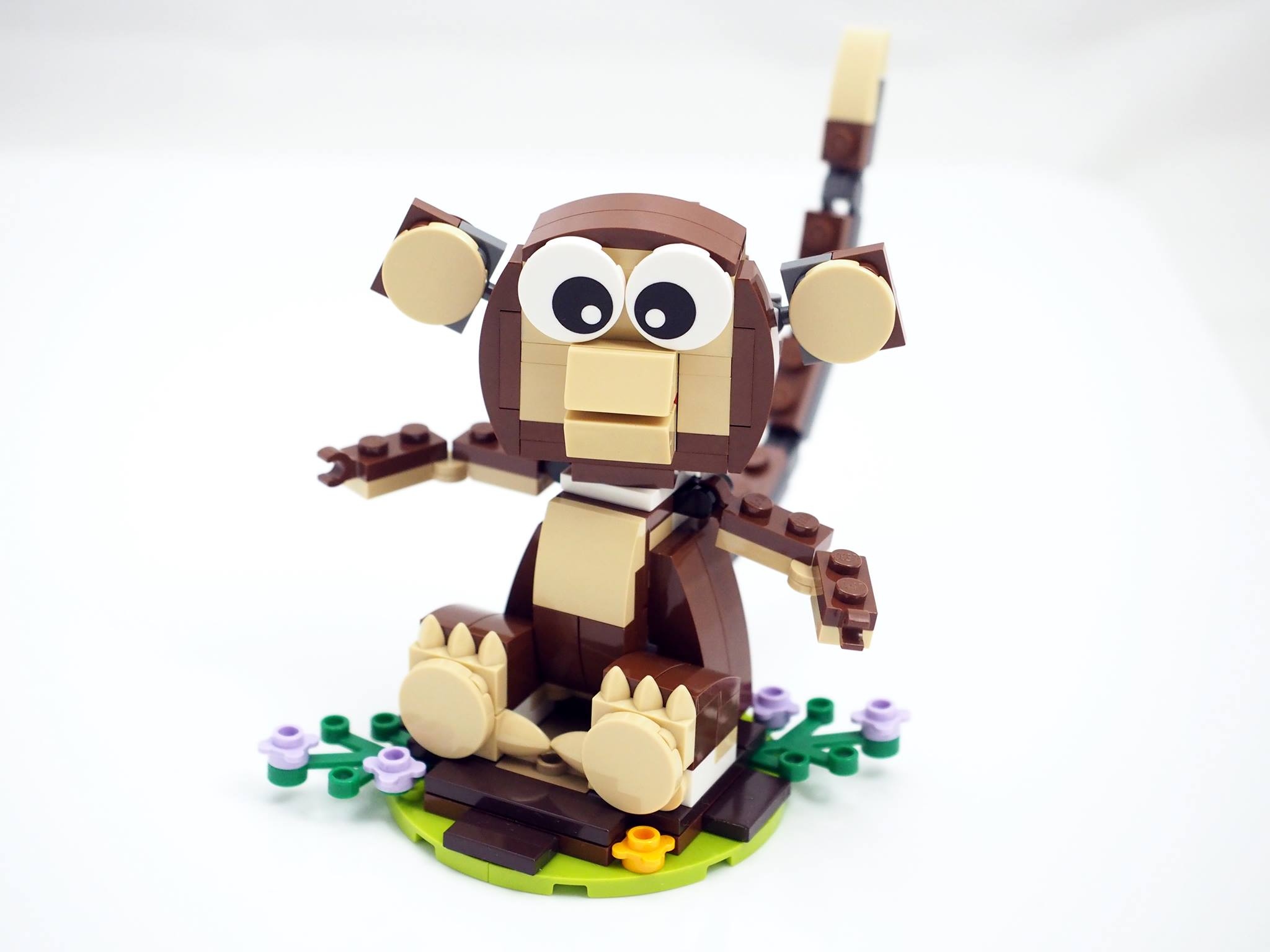 LEGO Year of the Monkey 40207 build 13