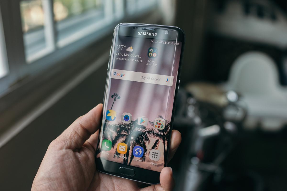Geek Review: Samsung Galaxy S7 Edge | Geek Culture