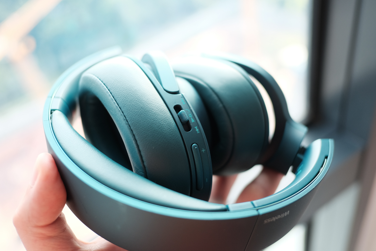 Geek Review Sony Mdr 100abn Hear On Wireless Nc Headphones Noice Cancelling Headphone Blue 9 Of 10