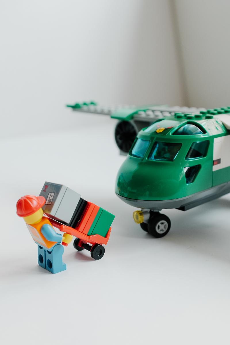 geek review lego city airport cargo plane 60101 geek