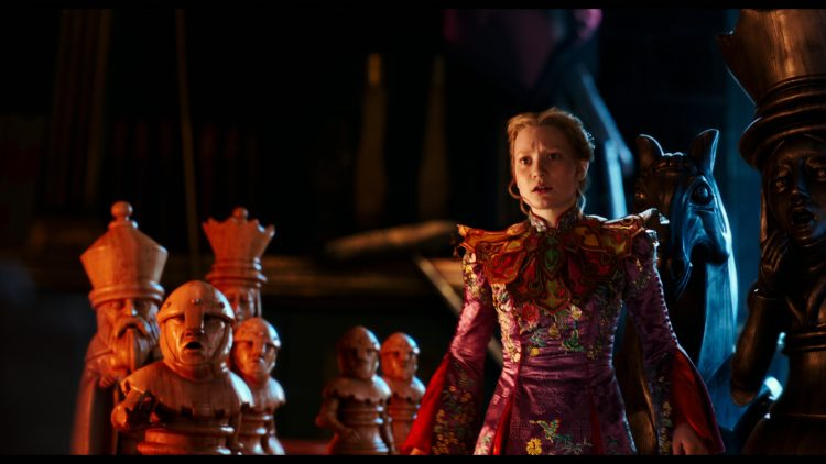 alice-through-the-looking-glass-review (2)