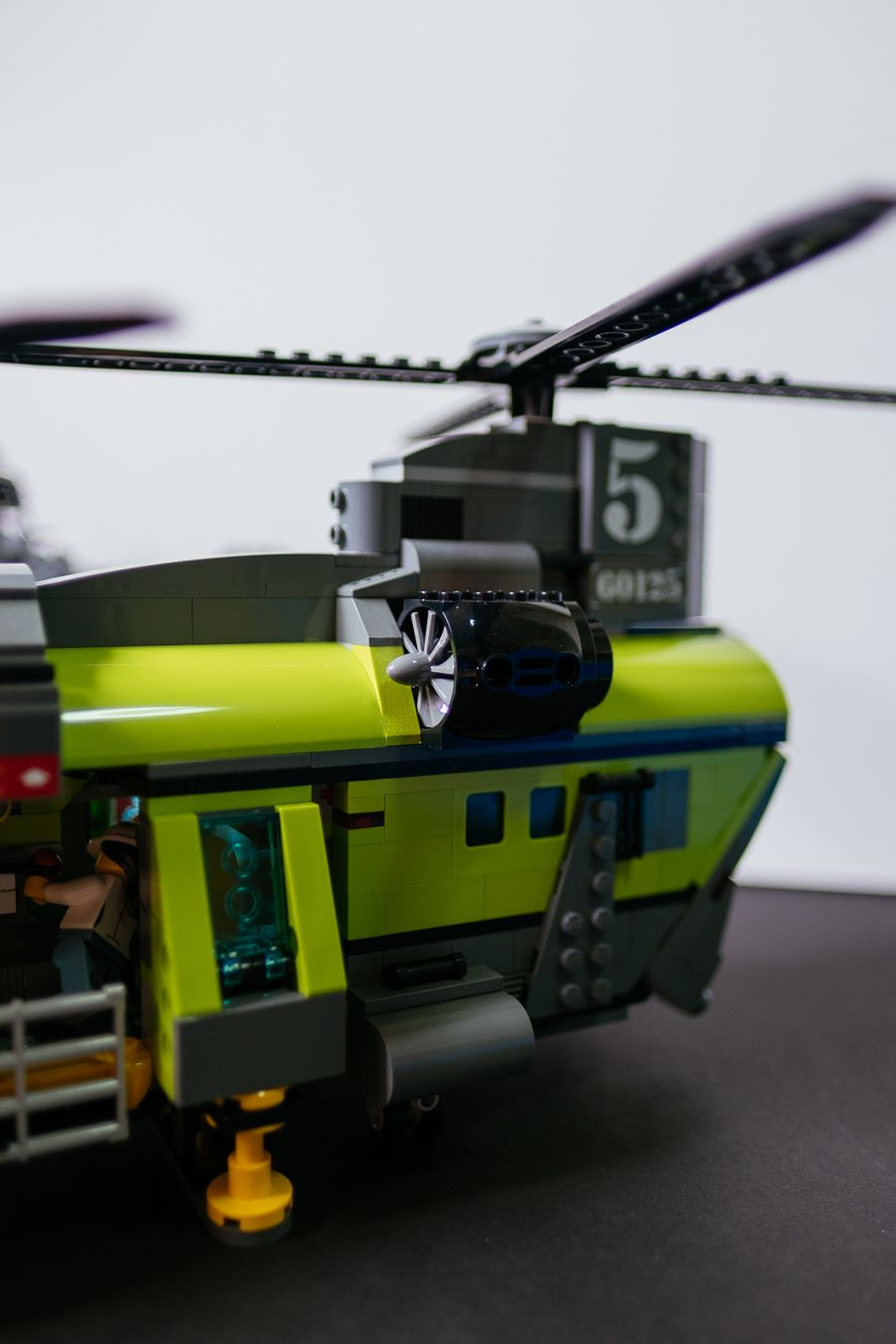 Geek Review: LEGO City Volcano Heavy-Lift Helicopter 60125 ...