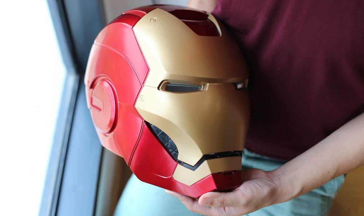 geek-hasbro-marvel-legends-iron-man-helmet-review-11-of-14