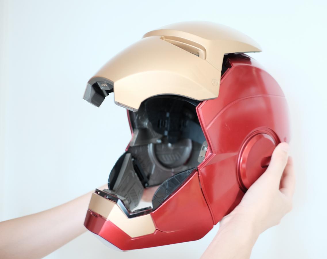 geek-hasbro-marvel-legends-iron-man-helmet-review-3-of-14