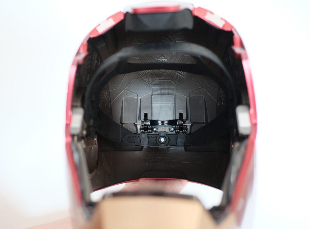 geek-hasbro-marvel-legends-iron-man-helmet-review-6-of-14