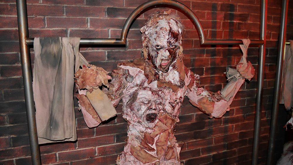halloween-horror-nights-6-review_hhn6_bodiesofwork_05