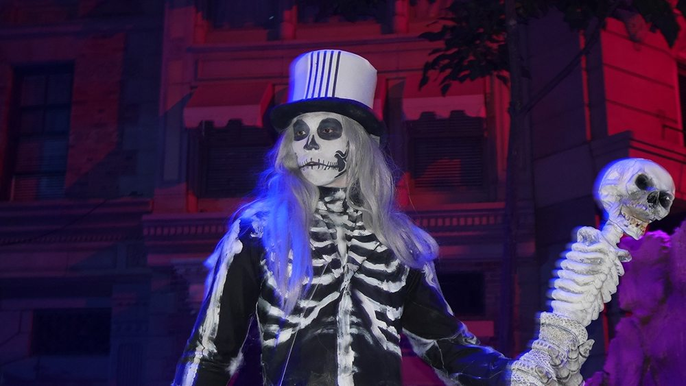halloween-horror-nights-6-review_hhn6_marchofthedead03