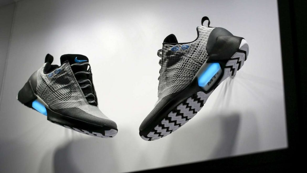 outlet store 94874 2594e We Want a Pair of Nikes 720 Self-lacing HyperAdapt Sneakers  Geek Culture