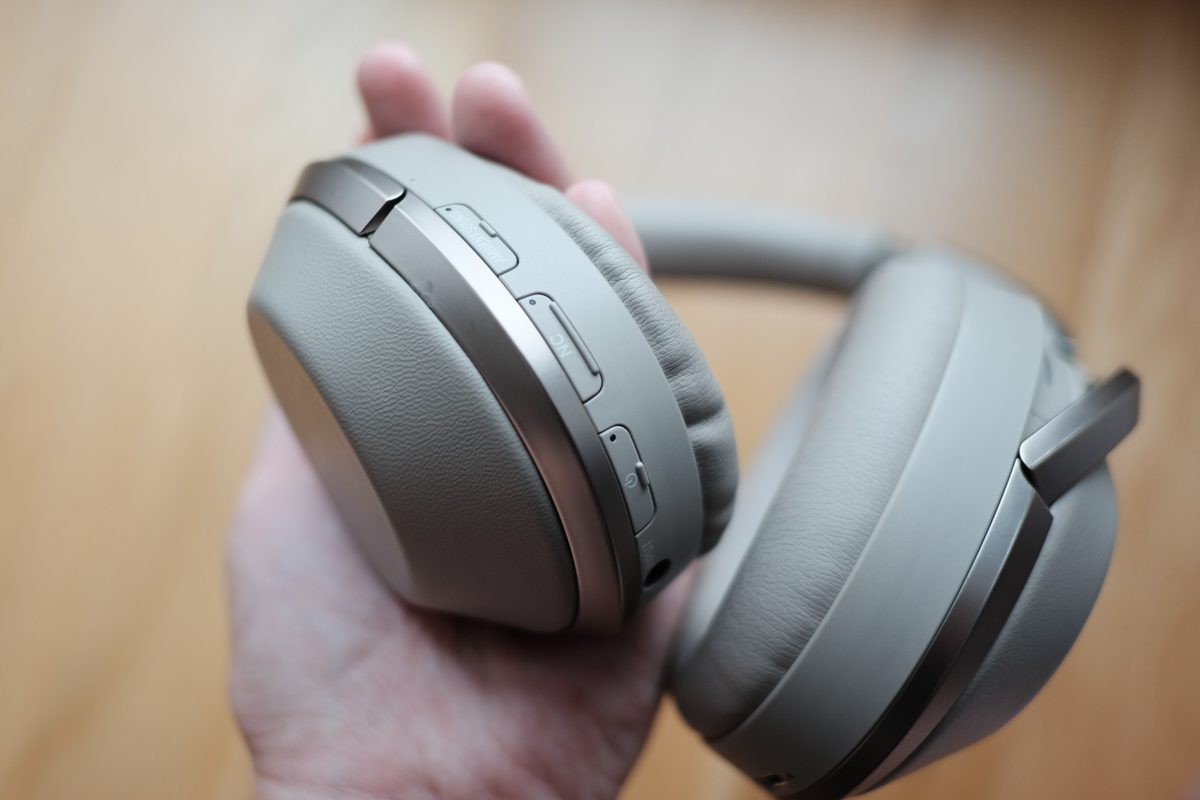 sony-mdr-1000x-noise-cancelling-bluetooth-headphones-review-3-of-11