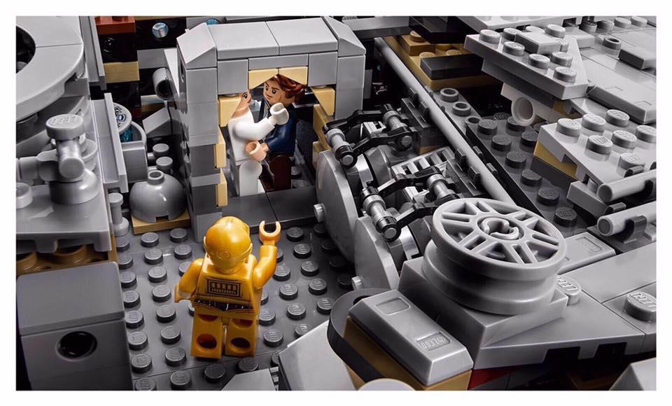 Lego star wars ucs millennium falcon 75192 official - Croiseur star wars lego ...