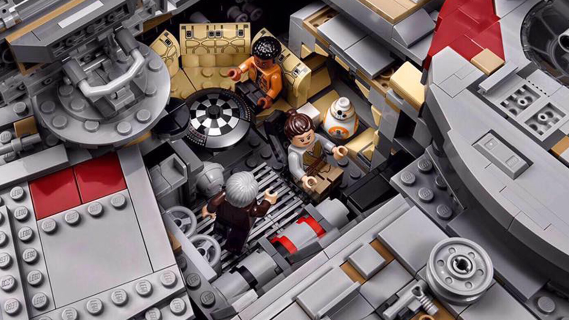 LEGO Star Wars UCS Millennium Falcon 75192 Official Visuals | Geek ...