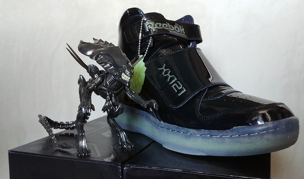 "c919aa488ad6ac Geek Review  Alien Reebok Stomper ""Final Battle"" Pack"