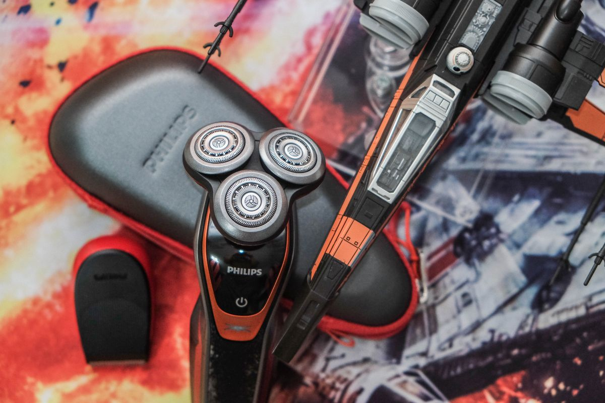 Geek Review: Philips Norelco Special Edition – Star Wars Poe Dameron ...