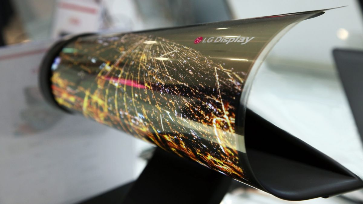 CES 2018: LG Display Launches World's First Rollable 165-cm OLED TV