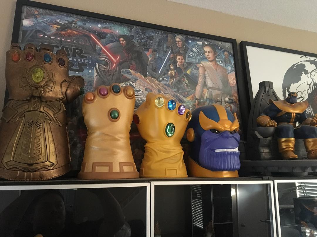 marvel legends infinity gauntlet 1:1 replica leaked… and it lights