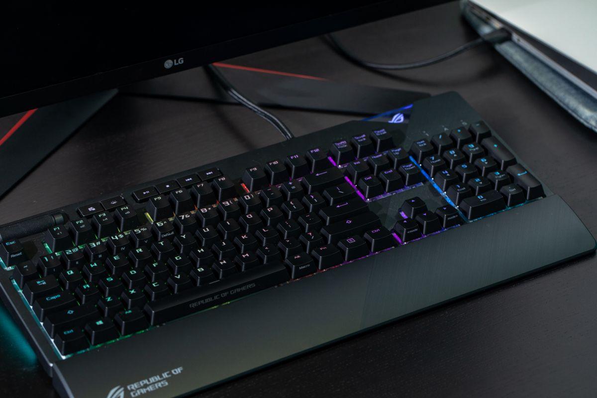 Geek Review: ASUS ROG Strix Flare Mechanical Gaming Keyboard