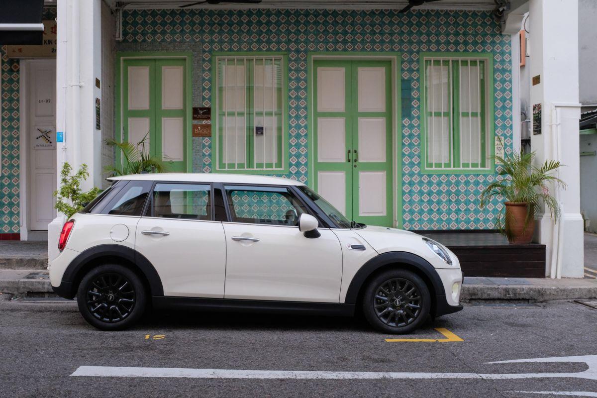 Geek Review: MINI One 5-Door (Facelift) | Geek Culture