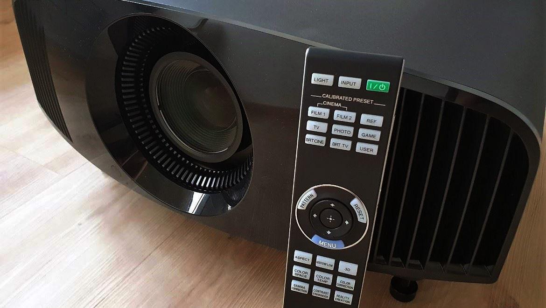 Geek Review: Sony VPL-VW270ES 4K Projector | Geek Culture