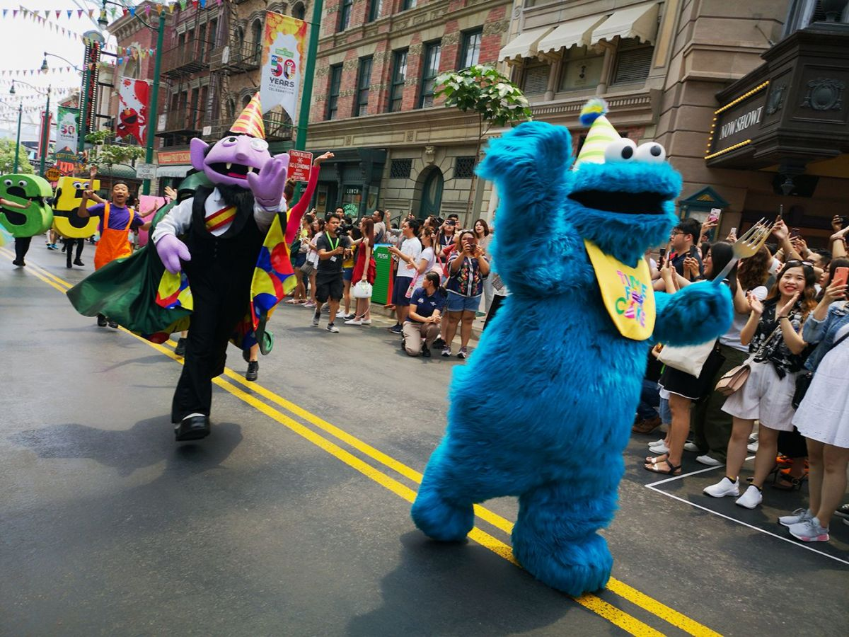 Sesame Street Celebrates Its 50th Anniversary In Style At