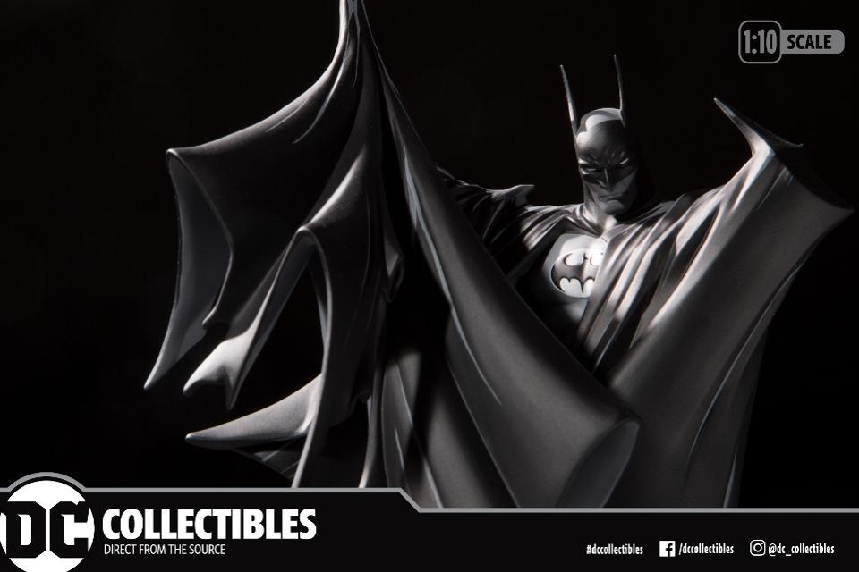 todd-mcfarlane-batman-statue