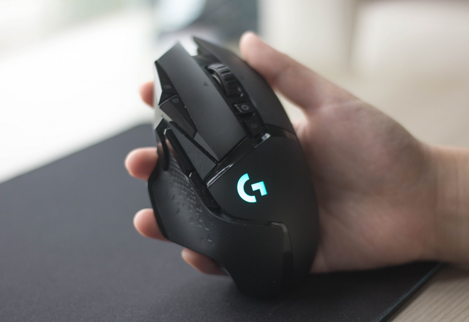 Geek Review: Logitech G502 Lightspeed Wireless Gaming Mouse With