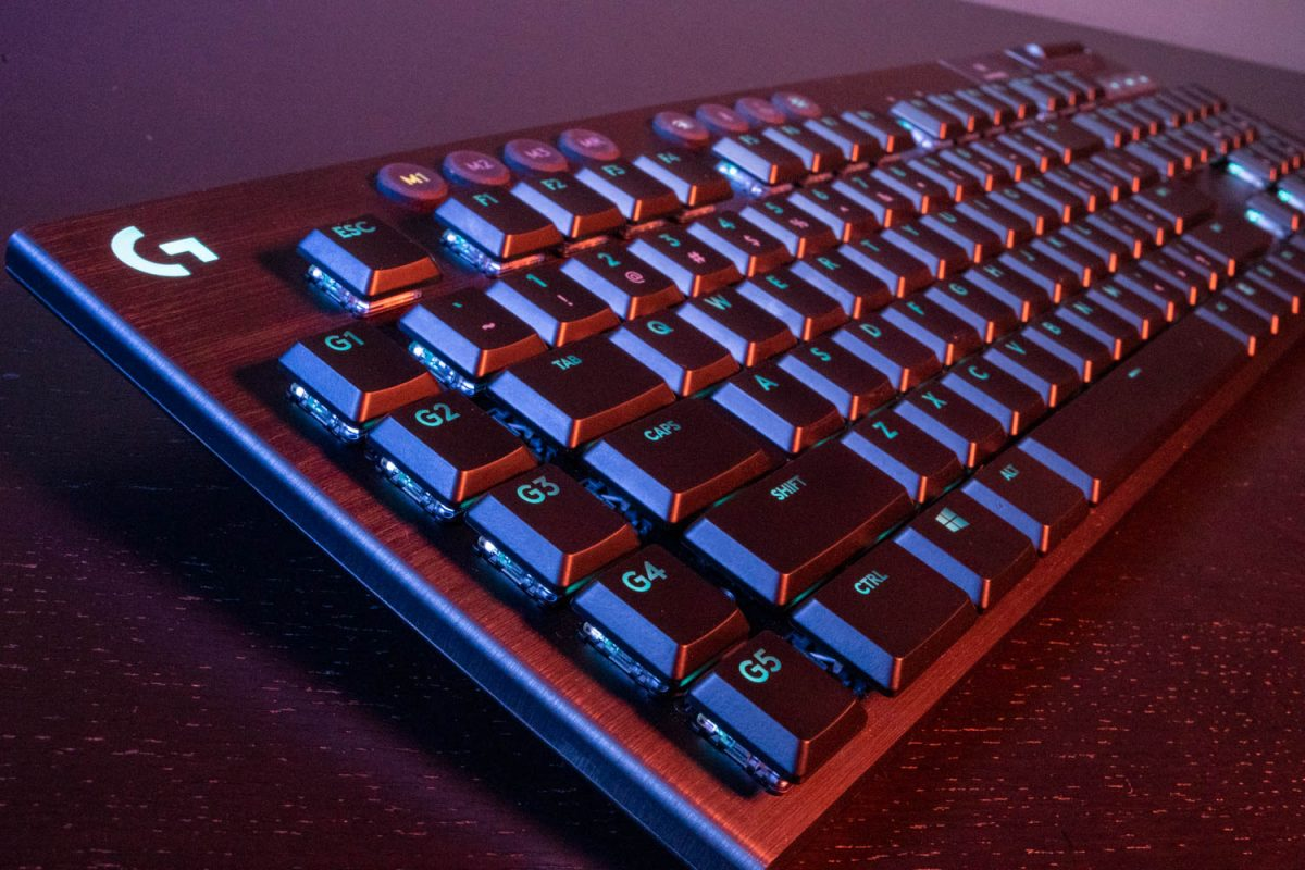 Logitech G915 Lightspeed Wireless Keyboard Review 1