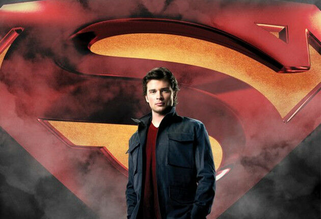 Tom Welling will be reprising his role as Clark Kent in Arrowverse crossover