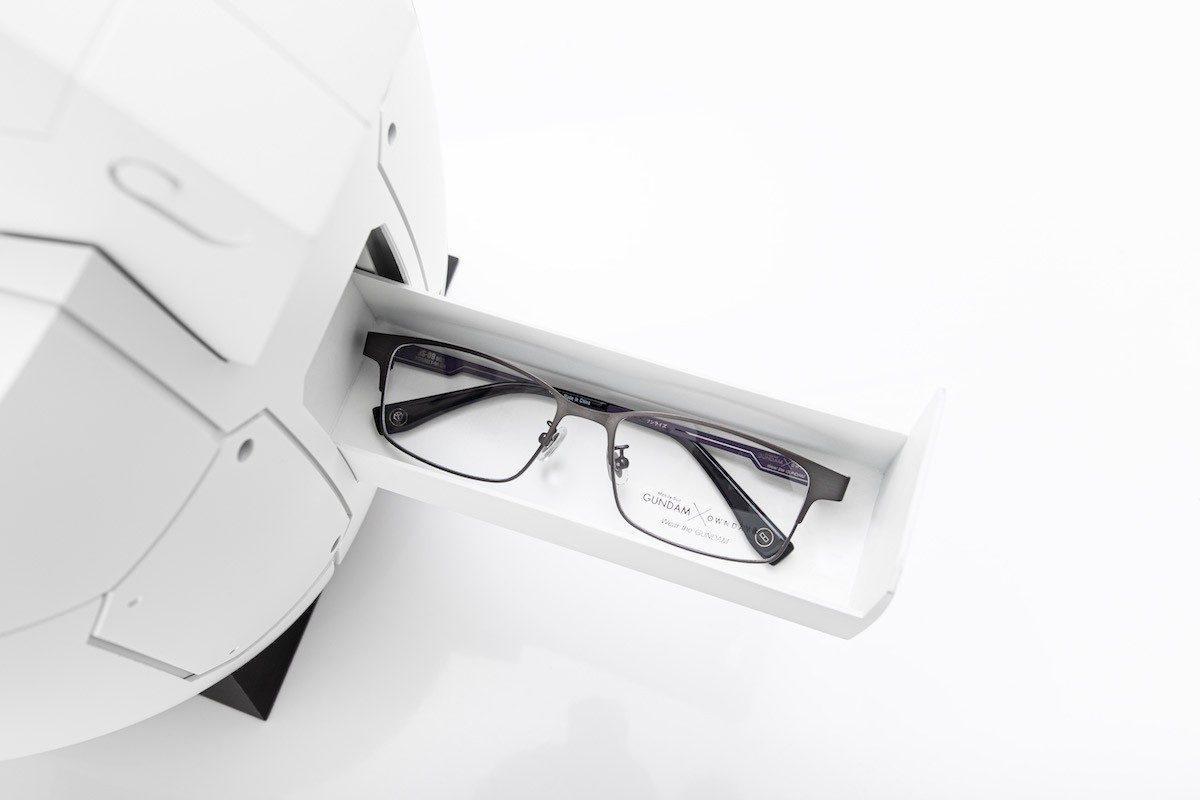 gundam-glasses-owndays-2