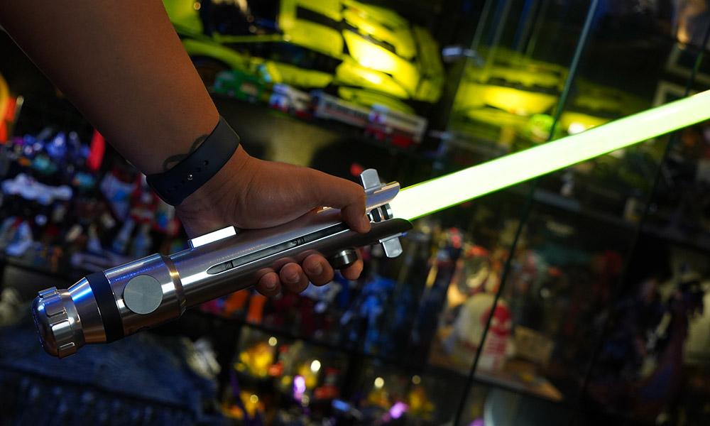 ahsoka lightsaber