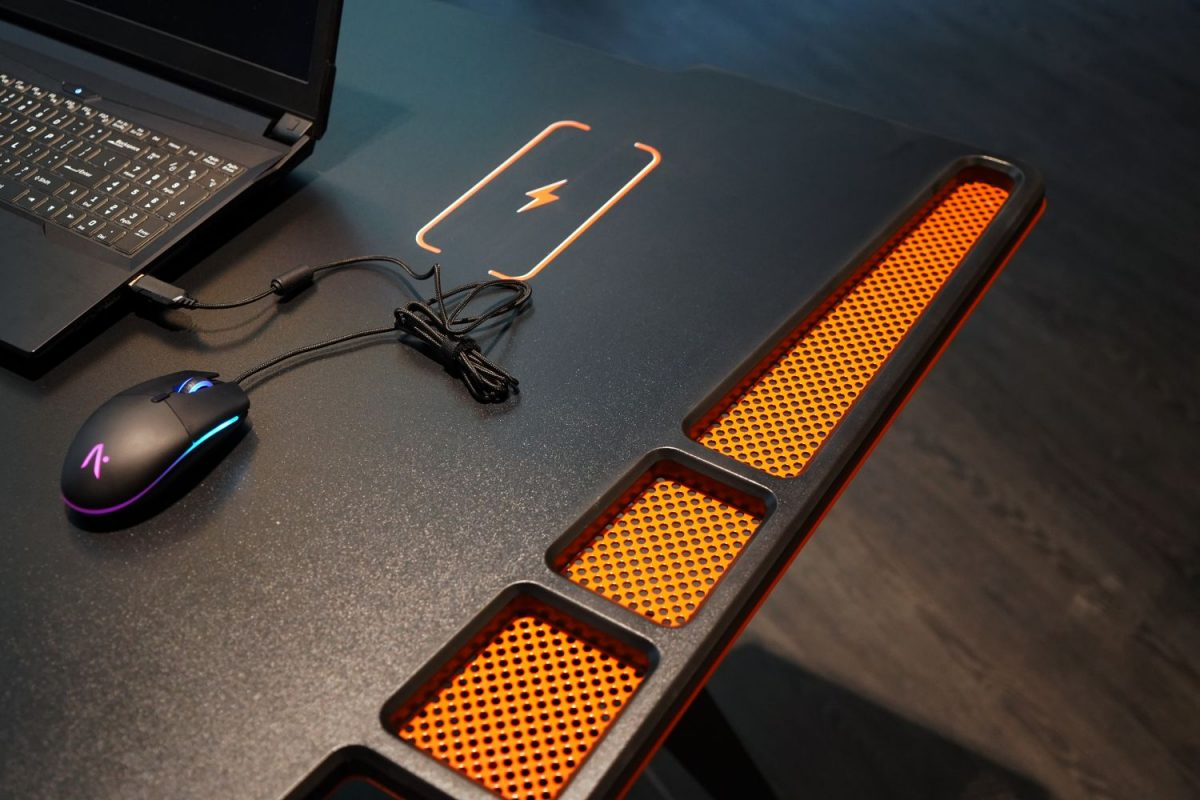 venator gaming desk